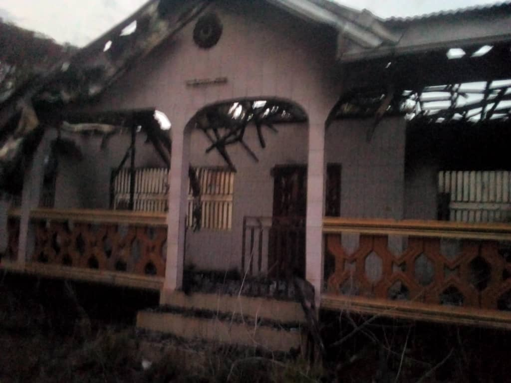 This house belnged to the principal of GHS Batibo, Mr. Tiboko. He was acused of being CPDM, and his house was burnt by Ambazonia Terrorists 21 Dec 2019.